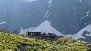 glacier d ela Maye et refuge